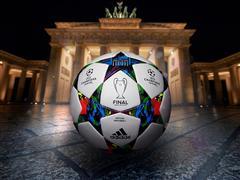 Το UEFA Champions League αρχίζει ξανά με την adidas Finale Berlin, την επίσημη μπάλα του Τελικού του Βερολίνου, στη σέντρα των ευρωπαϊκών γηπέδων
