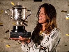 La tenista adidas Garbiñe Muguruza logra una histórica victoria y se corona como campeona de Roland Garros