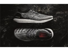UltraBOOST Uncaged新発売