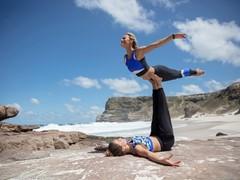 Nachhaltiger Yoga-Look vom Ozean inspiriert: adidas x Wanderlust