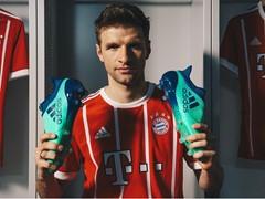 In mint und blau zur Meisterschaft: Das Deadly Strike-Pack von adidas Football