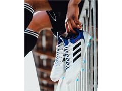 adidas Football представя новия модел COPA18 от гамата Team Mode