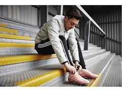 adidas Futebol revela a PREDATOR 18+ Spectral Mode