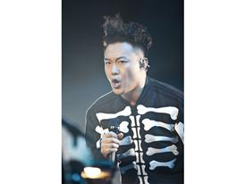 Behind the Scenes Photography from the Eason Chan Concert