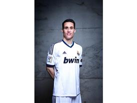 Callejon in Real Madrid 2012-2013 home kit (high res)
