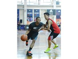 Q vs F China Tour Xi An Fans Gathering 3-Damian Lillard