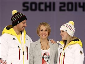 Magdalena Neuner Olympiamütze 2