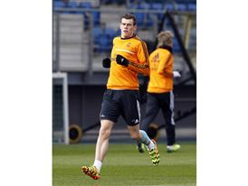Bale action 2