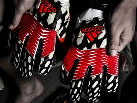 Predator Gloves Post Game PR 3