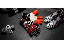 Predator Gloves Pregame PR 2