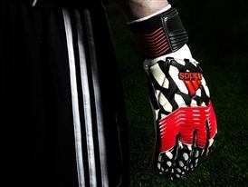 adidas lansează mănușile de portar Predator Zones