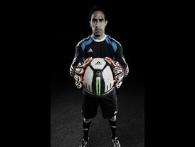 Claudio Bravo Smart Ball