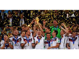 adidas wygrywa Mistrzostwa Świata nie tylko na boisku
