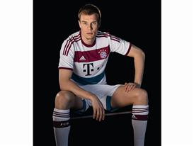 FC Bayern Auswärtstrikot 8