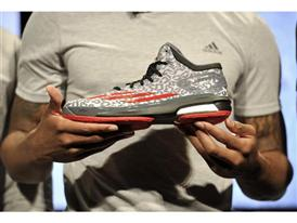 Damian Lillard, Crazy Light Boost (3)