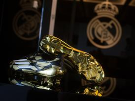 JAMES RODRÍGUEZ PRESENTED WITH ADIDAS GOLDEN BOOT AWARD 26