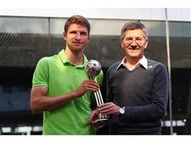 WM-Held Thomas Müller von adidas geehrt