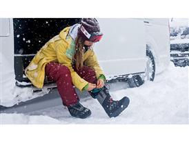 adisnow - Mika Lumi Boot & Catchline Goggles