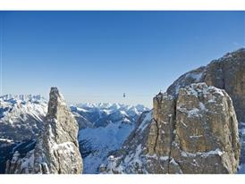Highlining in the Dolomites 11