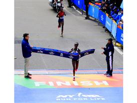 Keitany finish line
