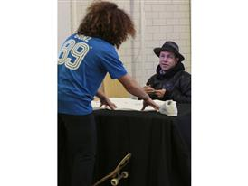 Superstar Experience: Autograph Session with Gonz 8