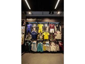 adidas store Barcelona 76