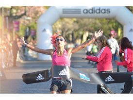 Media Maraton adidas Rosario - Rosa Godoy ganadora