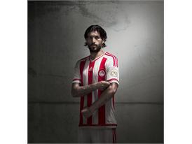 adidas_Olympiacos Home 15-16_Chori_1