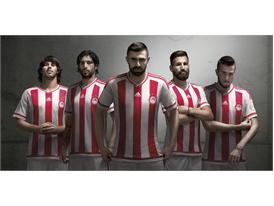 adidas_Olympiacos Home 15-16_Group