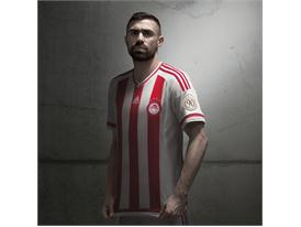 adidas_Olympiacos Home 15-16_Maniatis_2