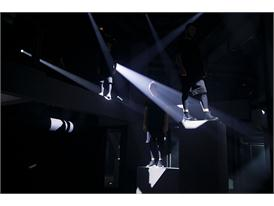 adidas Originals GÇô Tubular SS16 Performance at Paris Fashion Week  (2)