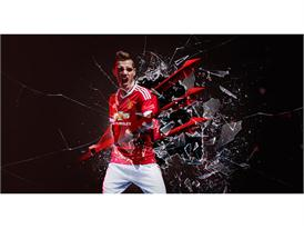 Manchester United 2015/16 Home Kit 12