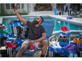 adidas подписa с баскетболната звезда Джеймс Хардън