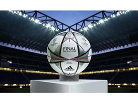 Finale Milano - the Official Match Ball 1