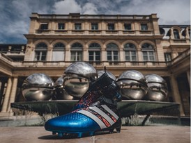 "adidas NEWS STREAM : ""Paris Pack"": Trikolore für die Trickser"