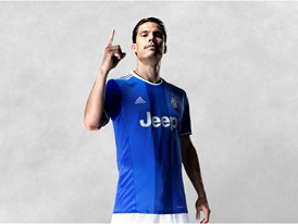 _JUVENTUS 16-17 Away Kit PR HERNANES 01 v1