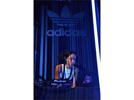 adidas Originals Kitty Cash (5)