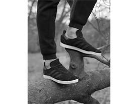 Brett Lloyd Adidas R37F01 V2