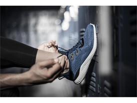 adidasRunning Alphabounce EMBlue PR OnModel Beauty 3