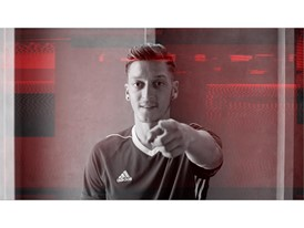 OZIL NEVERFOLLOW PR STILL 23