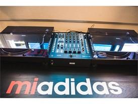 adidas Dame3 Oakland High Recording Studio 4