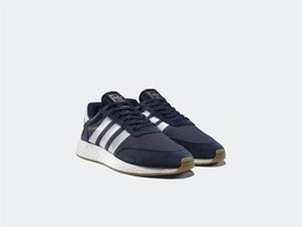 Iniki Runner, collegiate navy, 119,95€ (4)