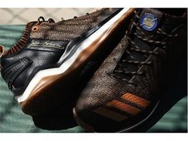 adidasBaseball JackieRobinson IconTrainer 2