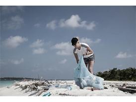 MaldivesParley_BeachCleanup1.jpg