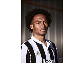 adidas Juventus CUADRADO (2)