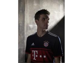 FC Bayern Away Muller 2