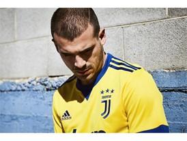 adidas Juventus Sturaro 4