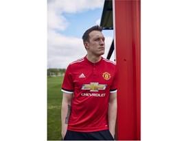 MUFC_Home_Jones_1