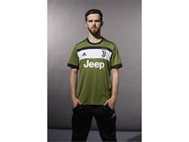 Juventus Third Pjanic