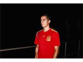 04 Spain Home Jersey